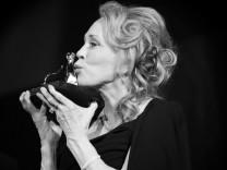 Faye Dunaway wird 80: Meisterin der kühlen Biester