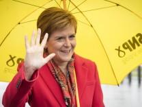 Schottland nach der Wahl: Nicola Sturgeon setzt auf Konfrontation – aber nicht sofort