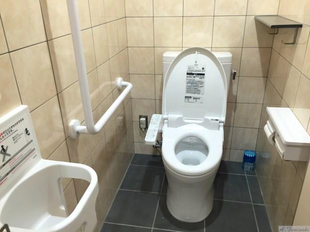 お客様トイレ