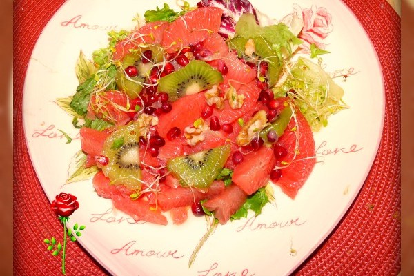Love Heart Healthy Grapefruit Pomegranate Walnut Salad