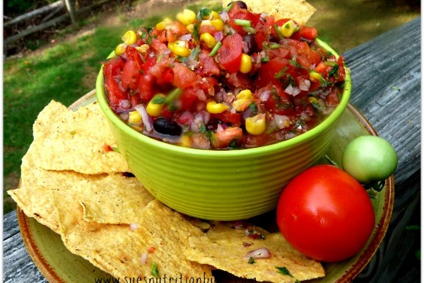 High Fiber Black Bean & Corn Chipotle Salsa #Recipe
