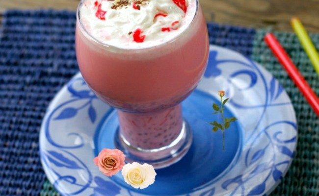 Rose Milk Almond Falooda (Indian Dessert Drink) With Chia Seeds #SundaySupper