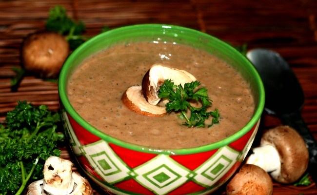 Benefits Of Mushrooms & Creamy Raw Mushroom Soup