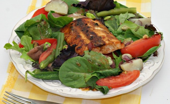 Mediterranean Salmon Salad For A Quick #Weekday Supper