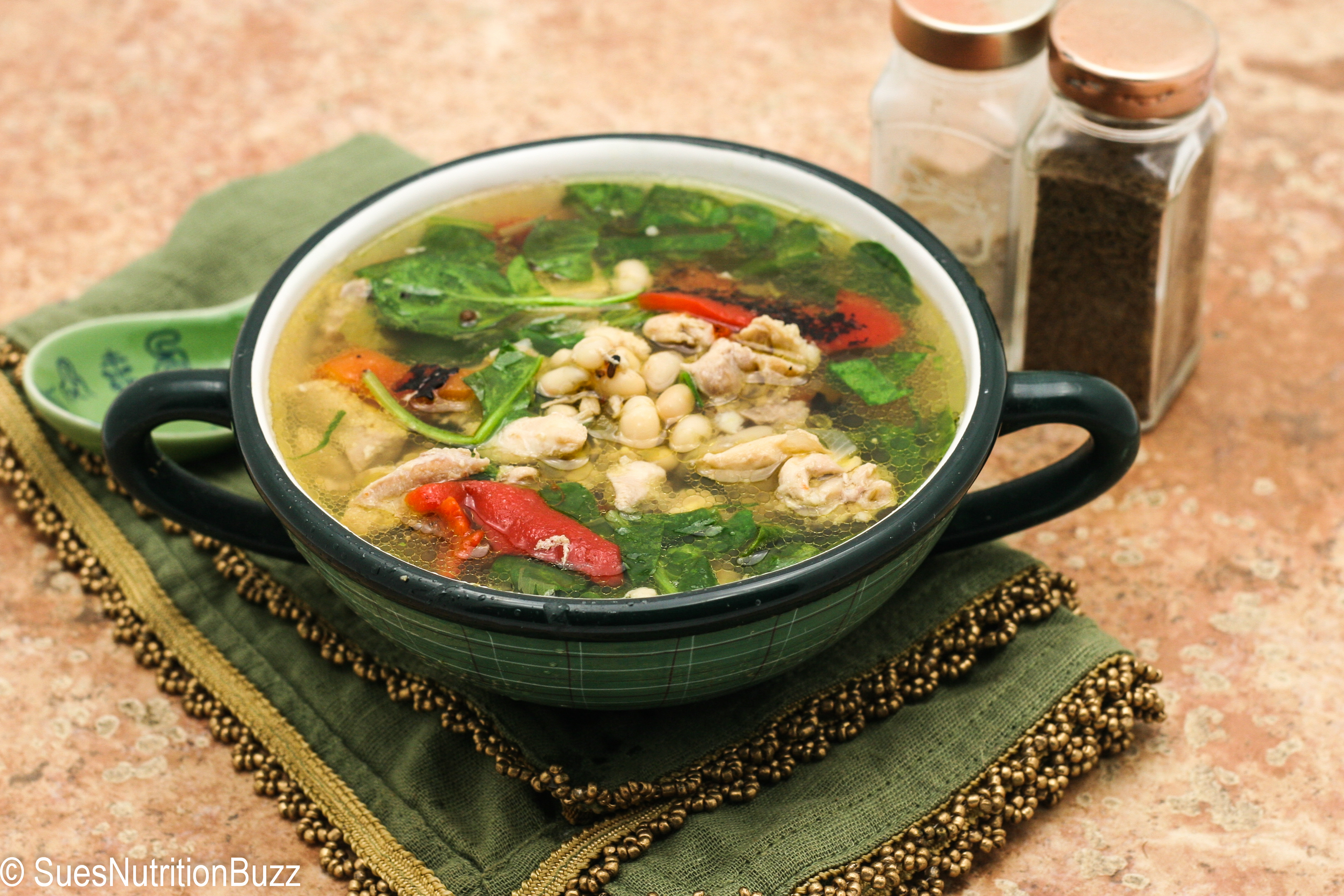 Tuscan Chicken Spinach Soup With Roasted Peppers #SundaySupper