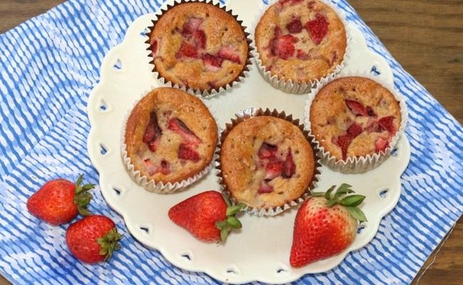 Strawberry Banana Oat Muffins #SundaySupper