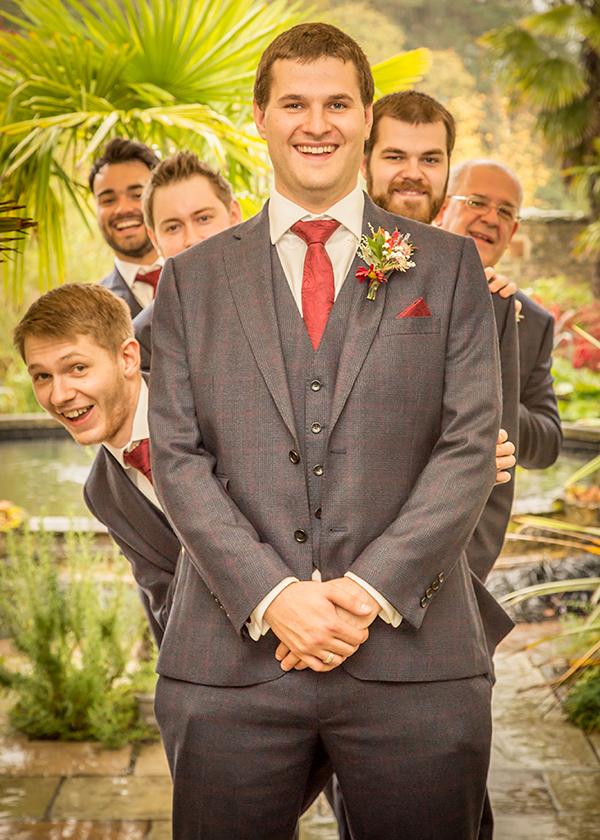 groomsmen funny wedding photo
