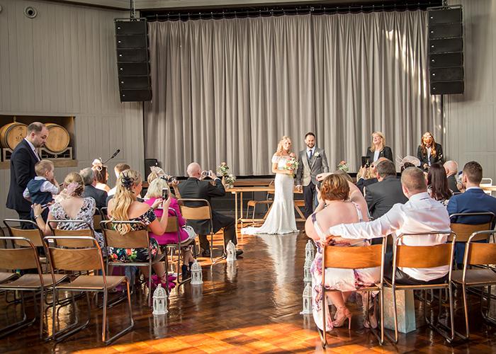 bride groom aisle