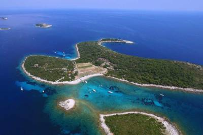 The Turquoise Lagoon of Budikovac island