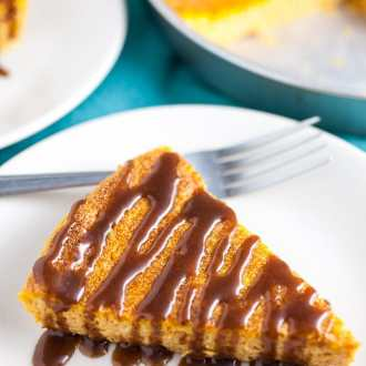 Pumpkin Cheesecake with Cinnamon Caramel Sauce