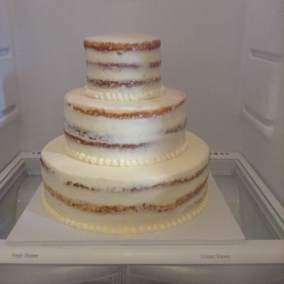 A new semi-naked chill cake
