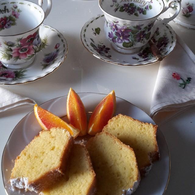Have a tea with me with a piece of this Orange ginger yogurt bundt cake #teatime #cake #yogurtcake #f52grams