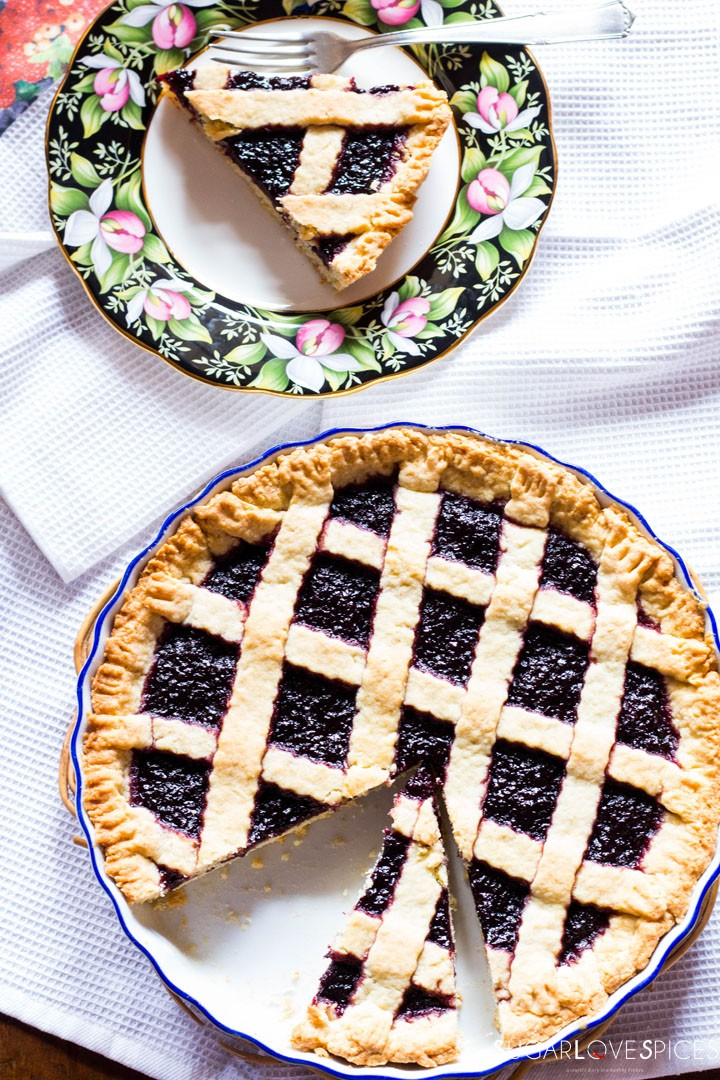 Crostata (Jam Tart)-in the pan in the plate