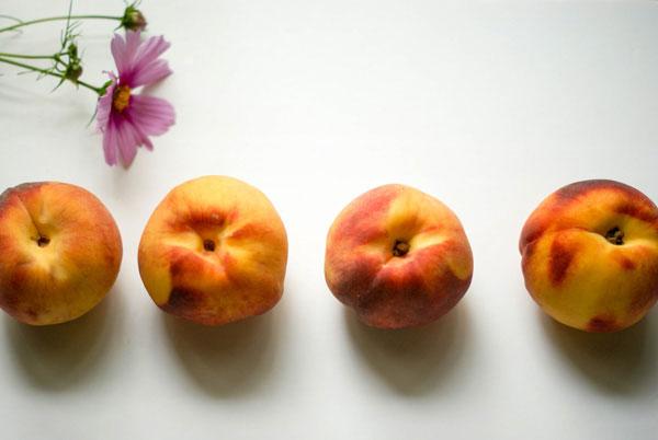 gluten-free peach and raspeberry cobbler