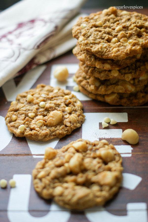 white-chocolate-macadamia-oatmeal-cookies