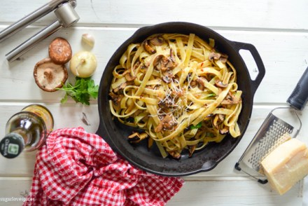Fettucine with crimini mushrooms in white truffle oil sauce