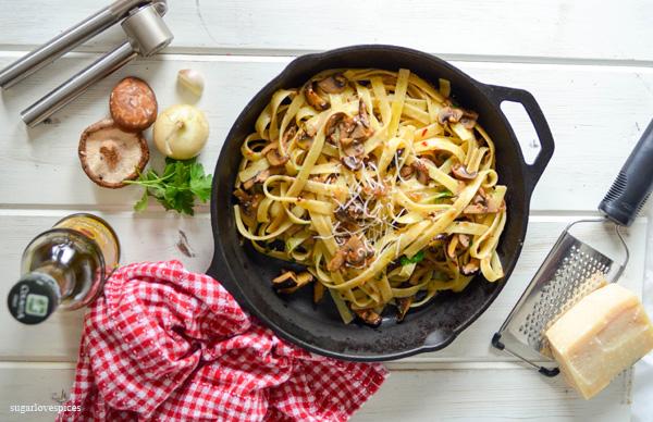 Fettucine with crimini mushrooms in white truffle oil and wine sauce