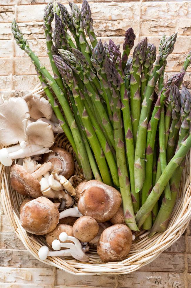 Lasagna bianca with asparagus, peas and mushrooms