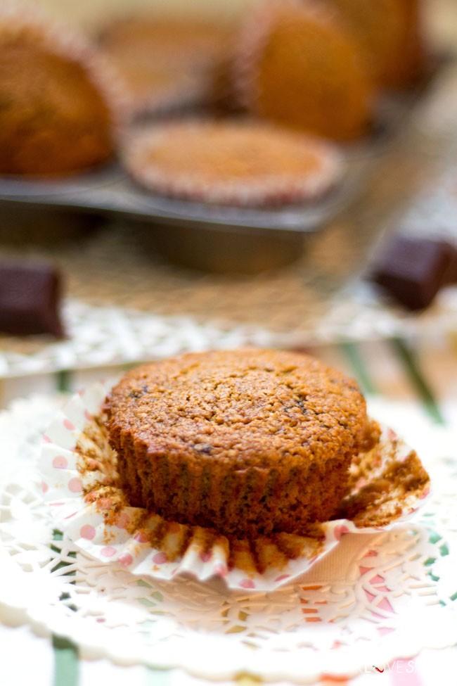 oat-chocolate-chunk-mini-muffins