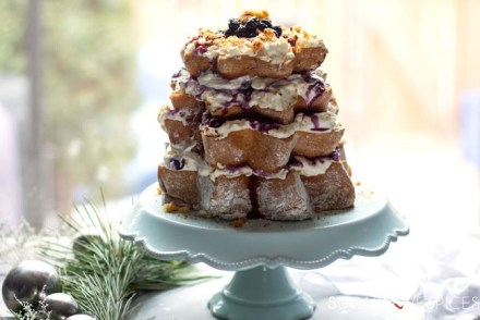 Pandoro Limoncè with Mascarpone Cream and Blueberries