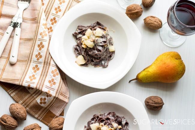 Fettuccine al Cacao with Gorgonzola, Walnuts and Pear