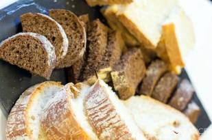 sunworksfarmtour17_dinner_bread