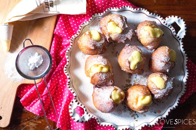 Deep fried Traditional St. Joseph's Day Cream Puffs - Bignè di San Giuseppe Tradizionali Fritti
