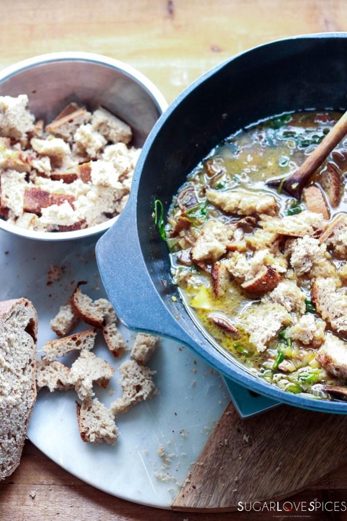 mushroom bread soup
