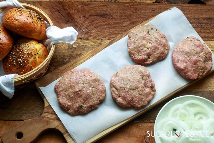Cheesy Mushroom Lamb Burger-patties