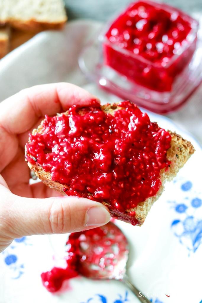3-Ingredient Easy Raspberry Jam (No Added Pectin)