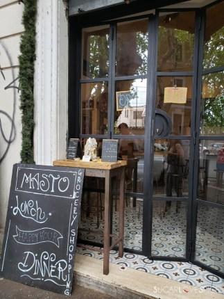 masto-entrance