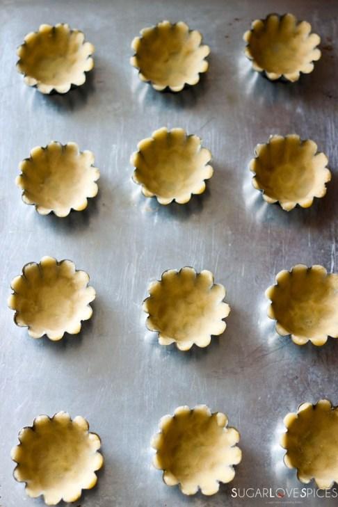 Sandbakkelse, Norwegian Christmas Cookies-on the tray