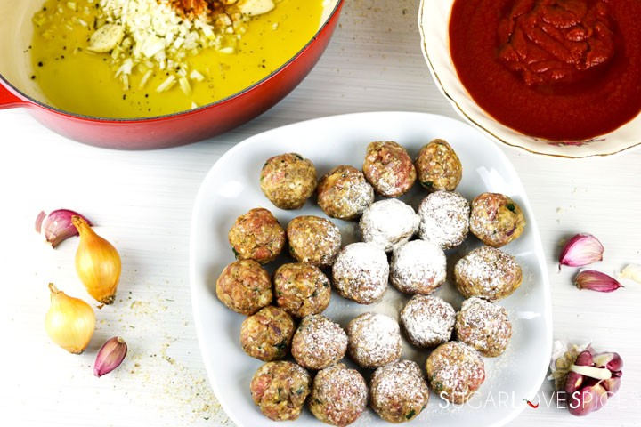 Albondigas, Spanish-style Meatballs-in the plate with flour