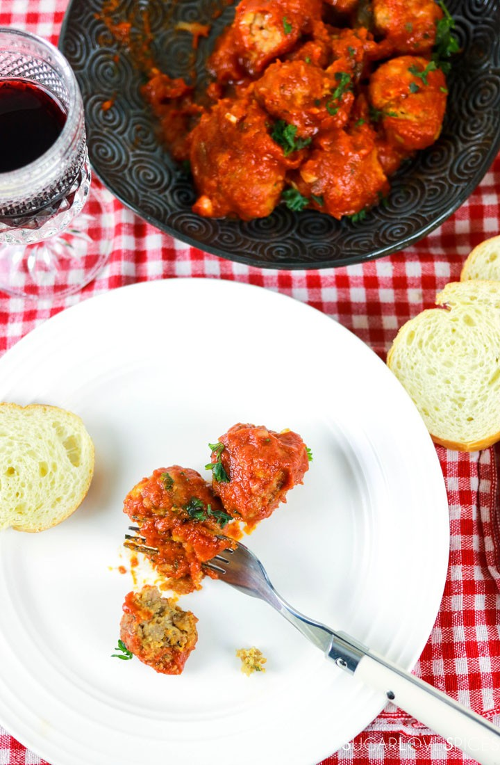 Albondigas, Spanish-style Meatballs-in the plate