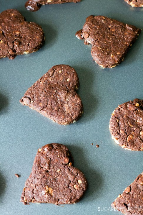 Olive oil spelt flour cookies with chocolate and hazelnuts-ccoked