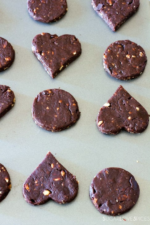 Olive oil spelt flour cookies with chocolate and hazelnuts-in the pan