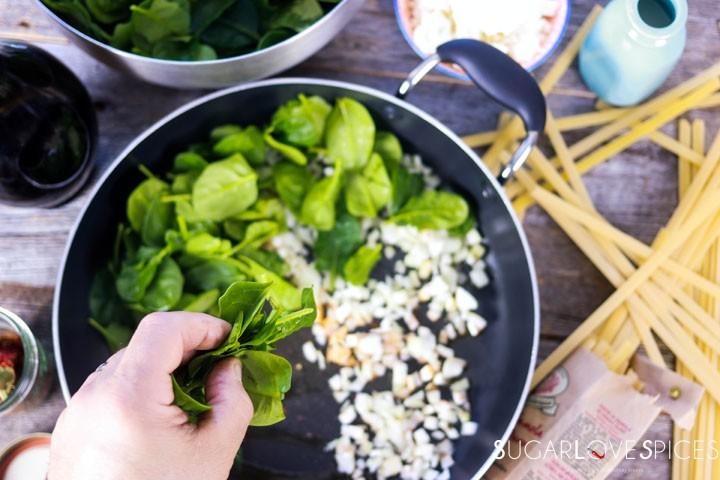 fettuccine alla greca-spinach