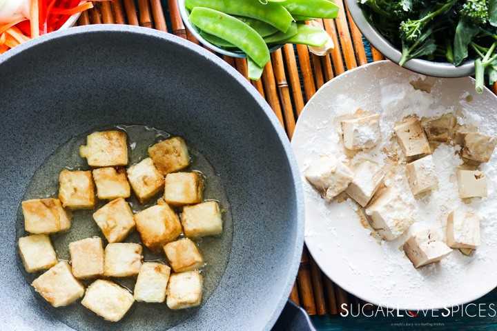 Laotian Sweet and Sour Tofu-frying tofu