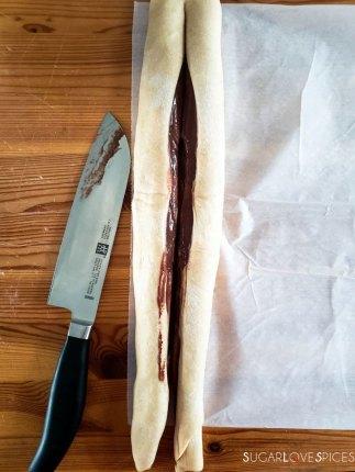 Nutella Pain Brioche braid-cutting log in two