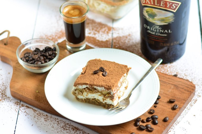 Easy Tiramisu (Eggless)