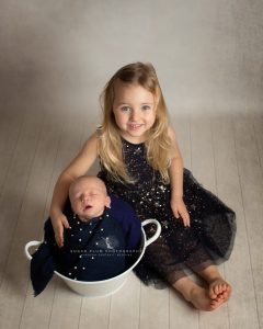 newborn photographer dudley Birmingham west midlands baby and sibling photography