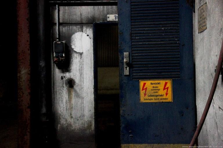 Fabrik im Hafen 11 - SugarRayBanister
