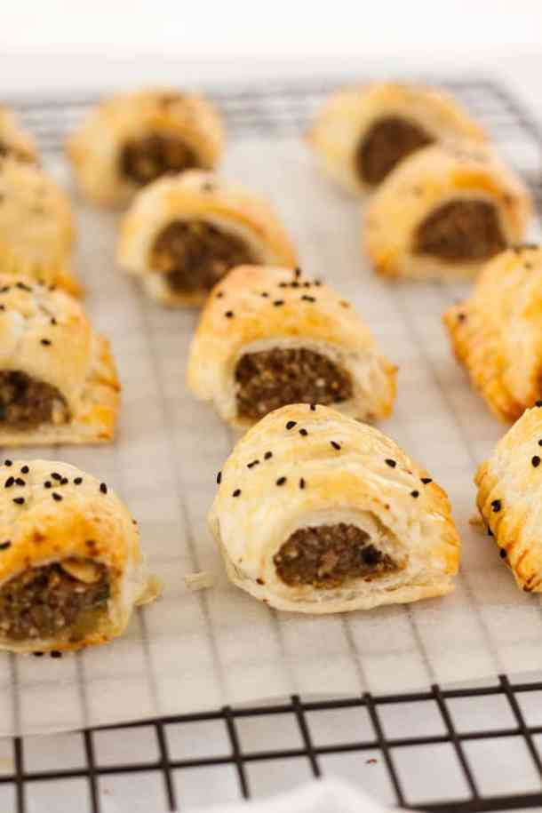 Stuffed Turkey Sausage Rolls are like Christmas dinner in a sausage roll (including the turkey), Give this easy recipe for making sausage rolls a try. #sausagerolls #christmasdinner #stuffedturkey