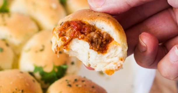 Bolognese Pull Apart Sliders are soft, warm and super tasty fresh from the oven and are a perfect appetiser or snack whatever the season.