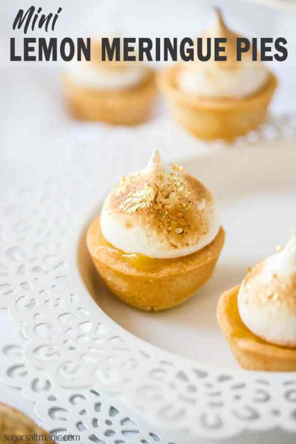 Mini Lemon Meringue Pies are the classic Lemon Meringue Pie in miniature. The perfect sweet finger food recipe that can be assembled at the last minute. #sugarsaltmagic #lemonmeringuepie #lemonmeringuepierecipe #lemoncurd #sweetfingerfood #partyfood #fingerfooddesserts