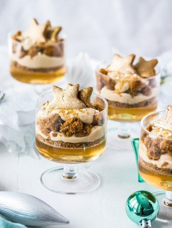 This Gingerbread Trifle is a magical Christmas dessert filled with a ginger and sparkling wine jelly, gingerbread cake and butterscotch pudding.