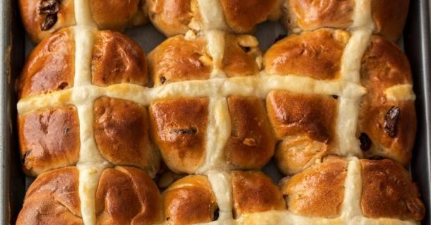 a row of 3 hot cross buns, still stuck together