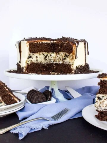 chocolate cake with oreo cheesecake center