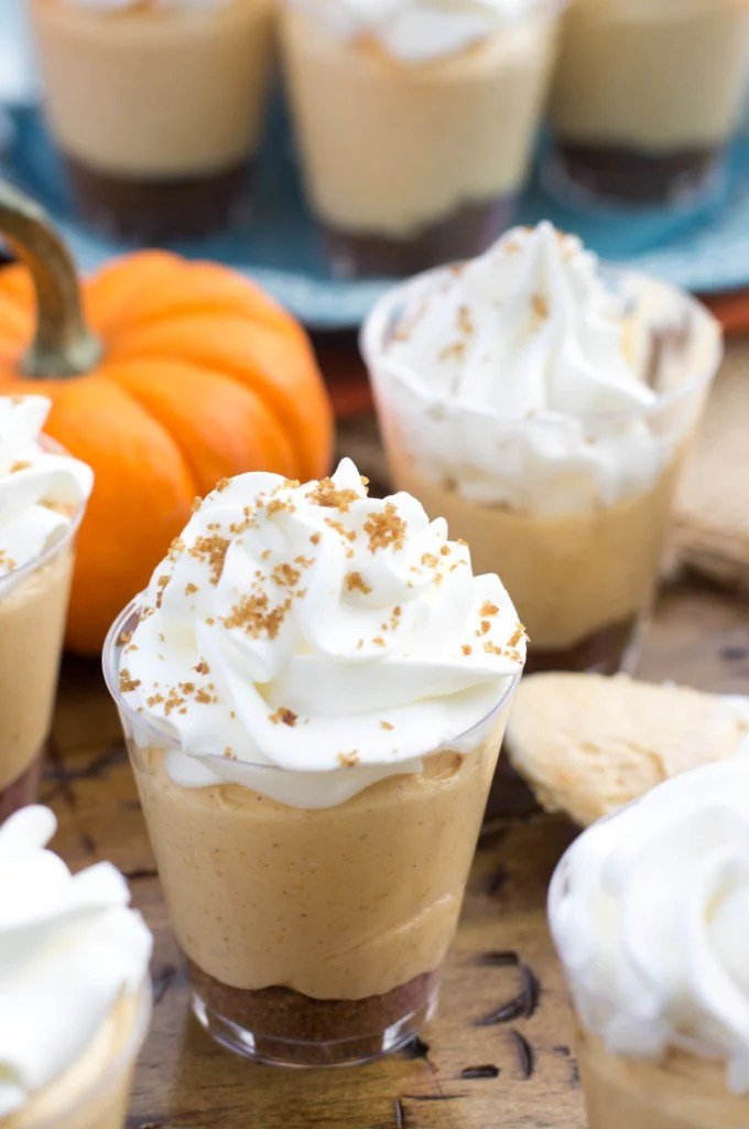 No-Bake Pumpkin Pie Cheesecake Dessert Shooters make for fun, festive desserts|| SugarSpunRun