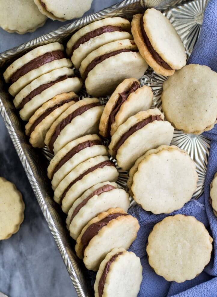 Vanilla Bean Sandwich Cookies with Chocolate Cream -- via Sugar Spun Run
